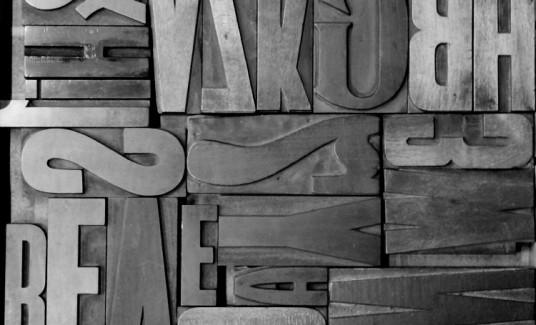 houten letters zw